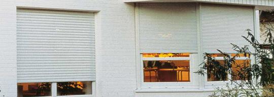 Comprar ventanas de PVC y Aluminio: corredera, batiente, golpete, oscilobatiente, elevable, osciloparalela plata, blanca, cobre con la mejor relación calidad precio y baratas en Valencia en Ventanas y Cerramientos Soria. Pedir presupuesto sin compromiso. que marcas trabajamos Kommerling, Deceunink, Winbel, Replus, Alubal, Codeval, Galsa y Cortizo